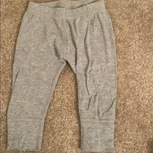 Hanna Andersson grey pant